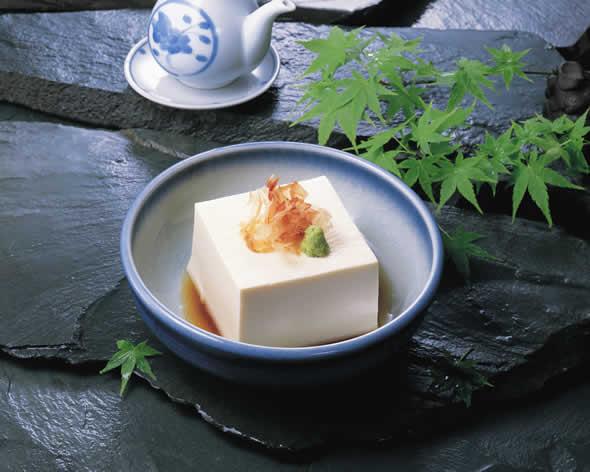 豆腐にしょうゆ